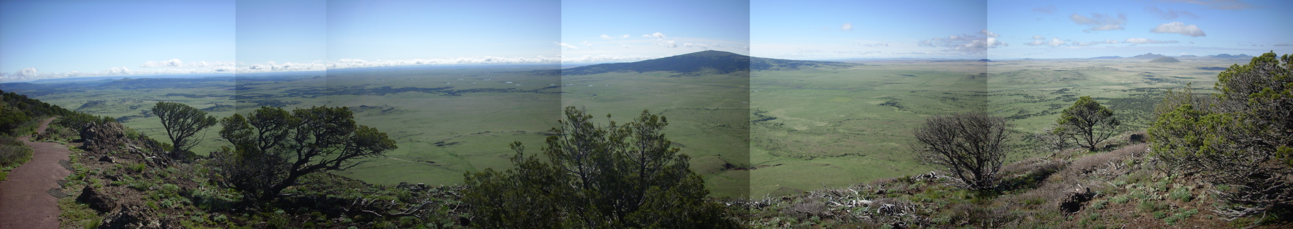 Southeast panorama from Capulin