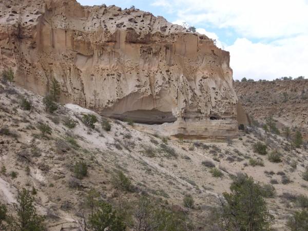 Pueblo Canyon cav
